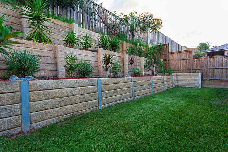 retaining wall waterproofing system